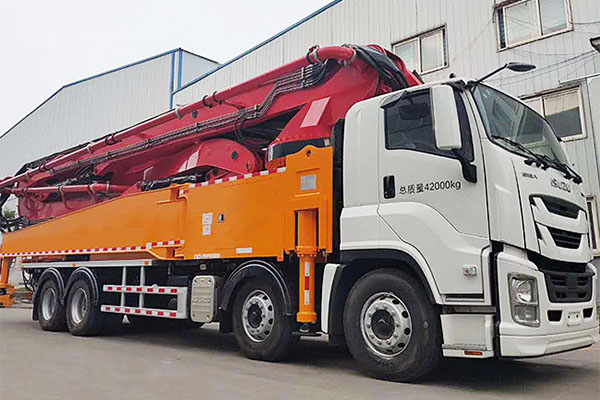 How to hire a concrete pump truck